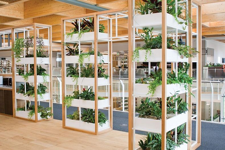 Desain Taman dengan hiasan vertikal